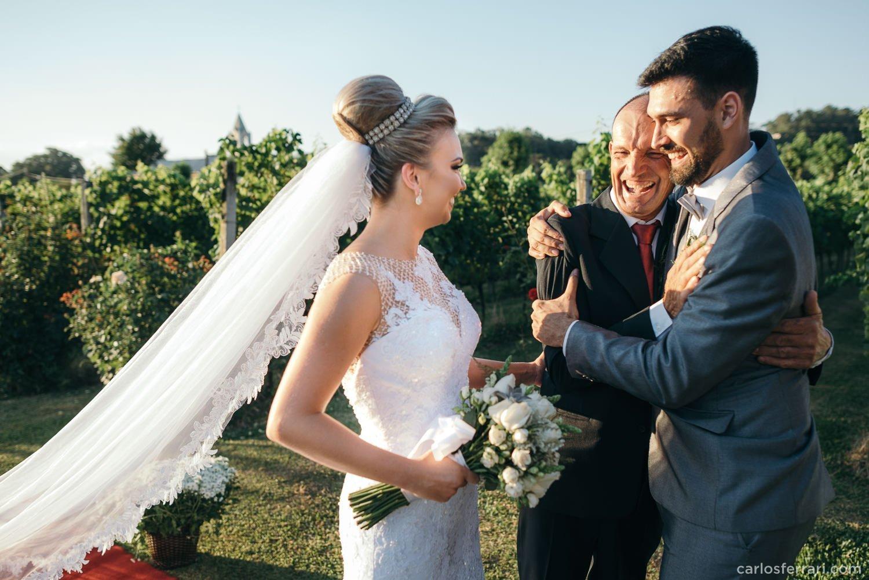 carlosferrari-fotografia-casamento-aliara-e-giba-vinicola-lovara-bento-goncalves-serragaucha-fotosdiferentes-espontaneas_56