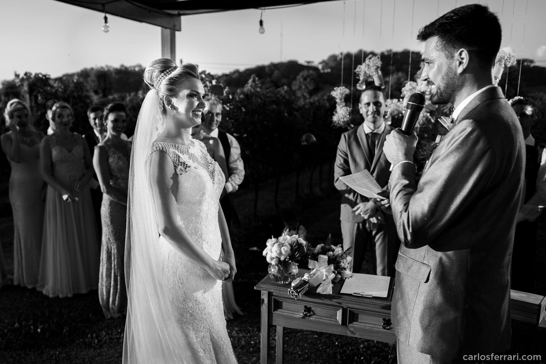 carlosferrari-fotografia-casamento-aliara-e-giba-vinicola-lovara-bento-goncalves-serragaucha-fotosdiferentes-espontaneas_65