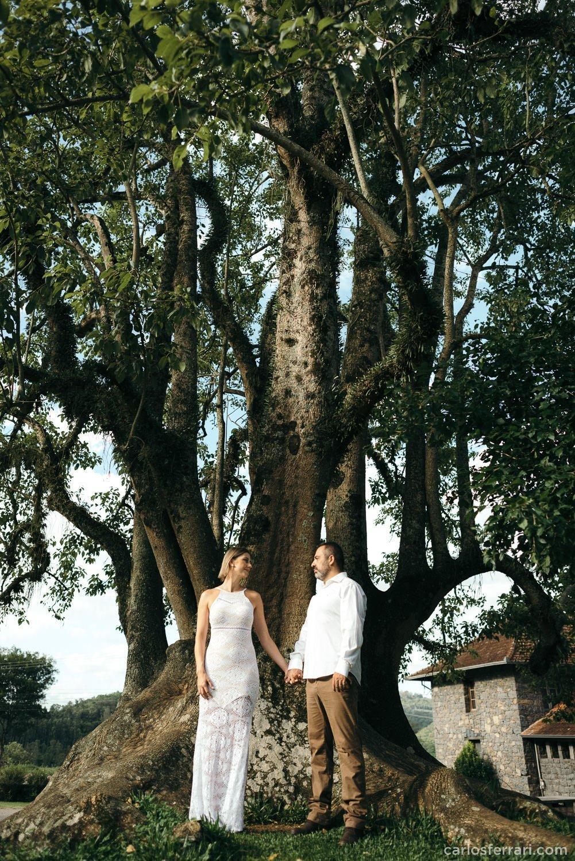 carlosferrari-fotografia-ensaio-pre-casamento-aline-marcos-caminhos-de-pedra-serragaucha-fotosdiferentes-espontaneas_9