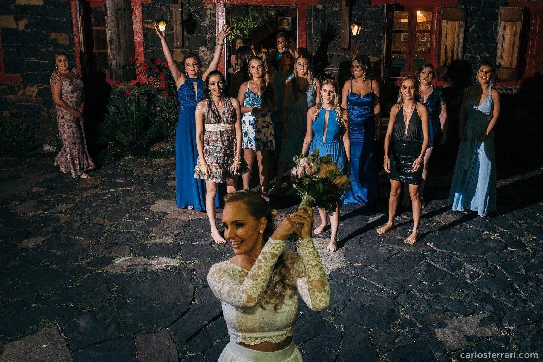 carlosferrari-fotografia-casamento-caminhos-de-pedra-thayserafa-fotosdiferentes-espontaneas_086