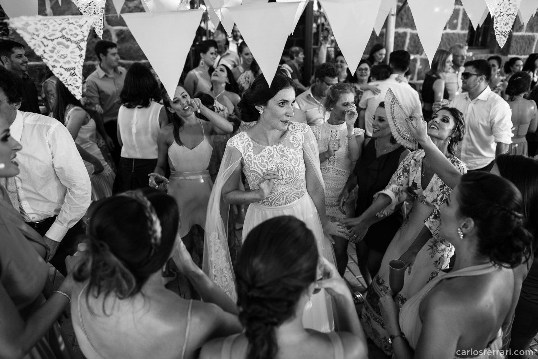 carlosferrari-fotografia-casamento-villamatuella-garibaldi-crisealan-fotosdiferentes-espontaneas_099