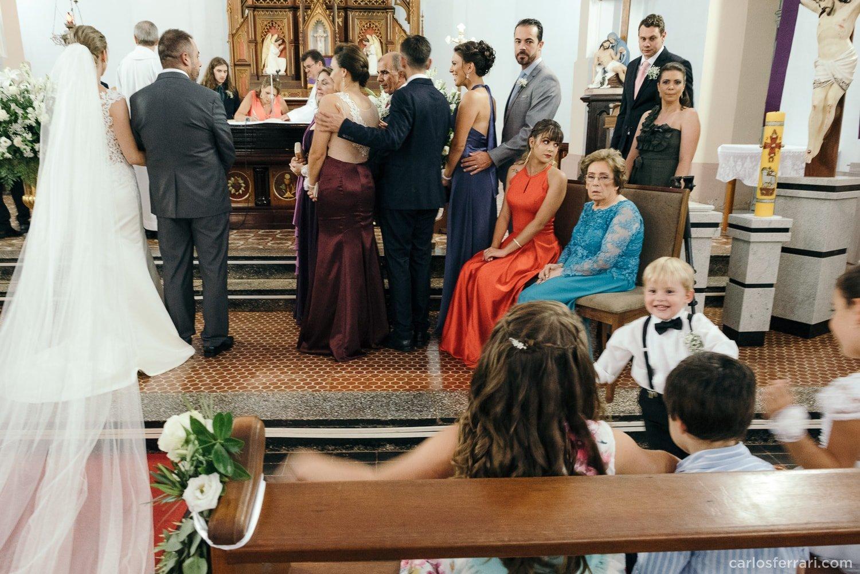 carlosferrari-fotografia-casamento-vinicola-donguerino-altofeliz-alineemarcos-fotosdiferentes-espontaneas_039