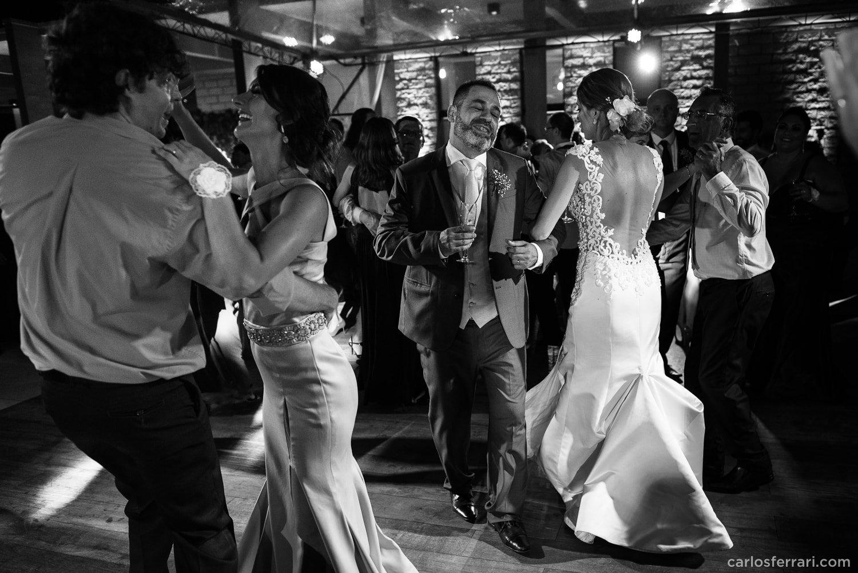 carlosferrari-fotografia-casamento-vinicola-donguerino-altofeliz-alineemarcos-fotosdiferentes-espontaneas_089