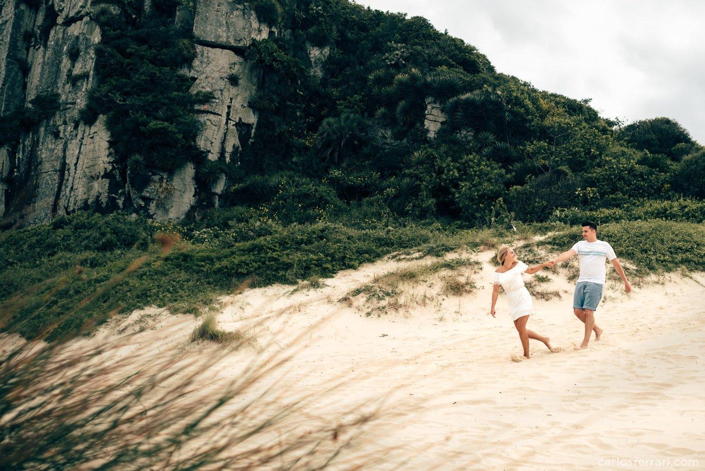 carlosferrari-fotografia-ensaio-arlivre-praiadaguaritatorres-thayserafa-fotosdiferentes-espontaneas__014