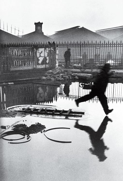 Henri Cartier Bresson. Behind the Gare Saint-Lazare, Paris, França, 1932