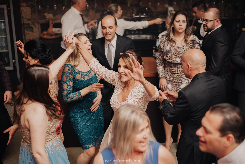 carlosferrari-fotografia-casamento-vinicola-marco-luigi-vale-dos-vinhedos-serra-gaucha-bento-goncalves-rs-ladi-e-gilmar_102