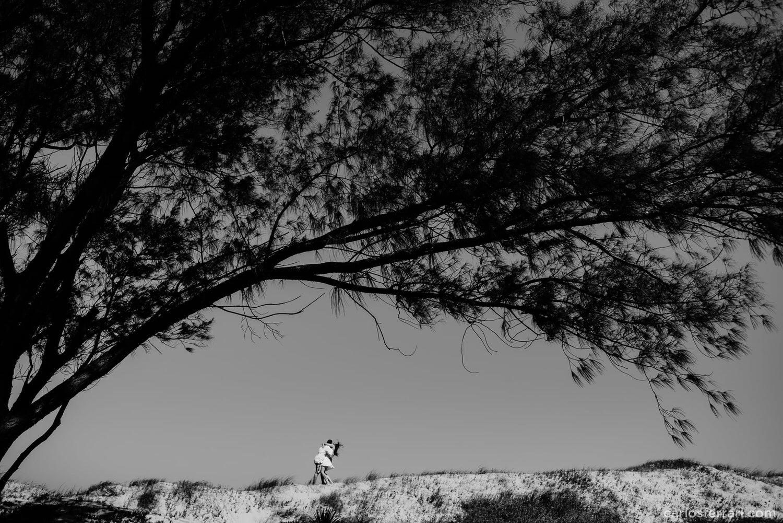 carlosferrari-fotografia-ensaio-pre-casamento-na-praia-tramandai-rio-grande-do-sul-kareneedi_03