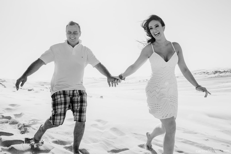 carlosferrari-fotografia-ensaio-pre-casamento-na-praia-tramandai-rio-grande-do-sul-kareneedi_13