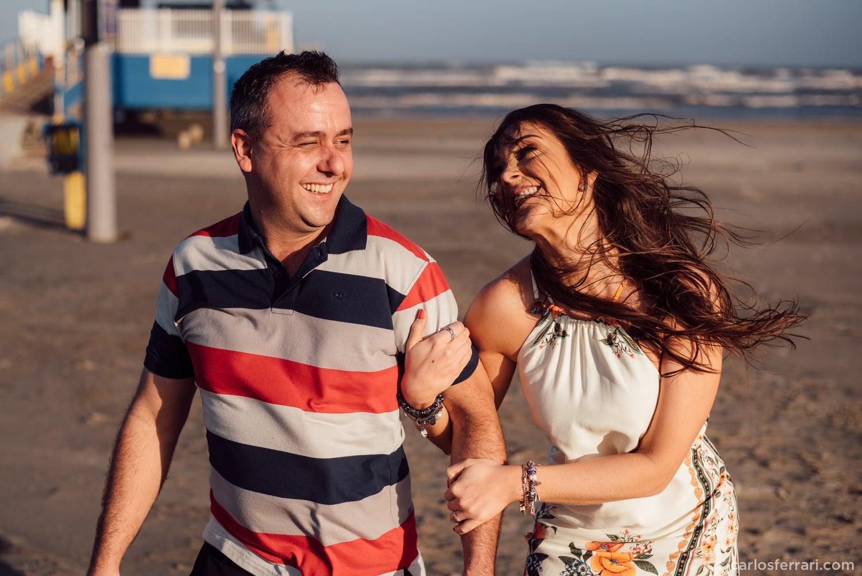 carlosferrari-fotografia-ensaio-pre-casamento-na-praia-tramandai-rio-grande-do-sul-kareneedi_24