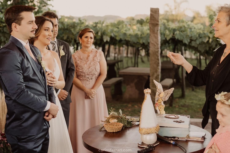 carlosferrari-fotografia-kyssia-e-tiago-casamento-ao-ar-livre-vinicola-casa-valduga-vale-dos-vinhedos-bento-goncalves-rs_71